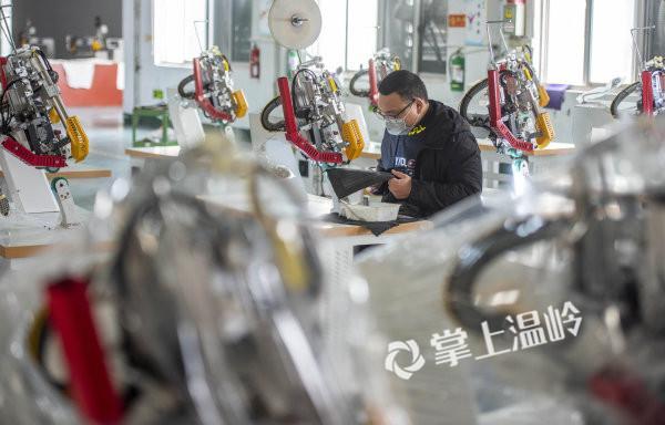 援助隔离服生产厂家,温岭市欧鹰机械有限公司紧急开工!(图9)